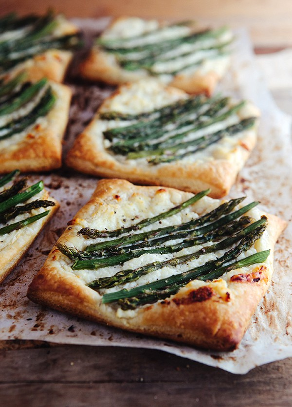Asparagus Ricotta Tarts with Honey Lemon Sauce