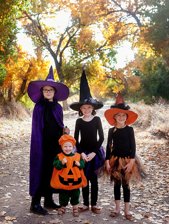 Easy Halloween Costumes: Three Witches and a Pumpkin