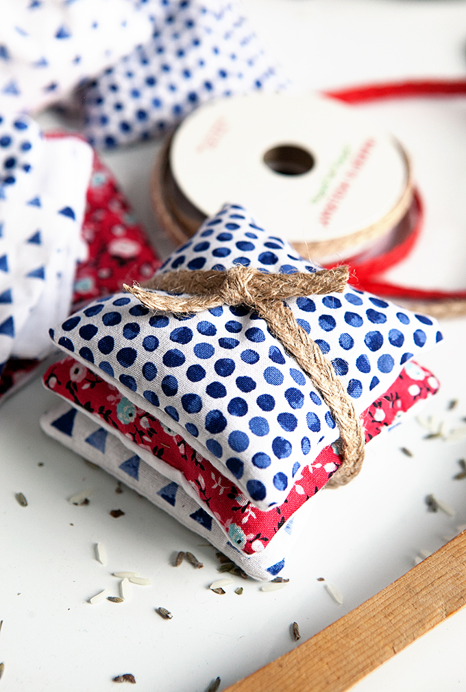 Homemade Gift Ideas: DIY Sachets with essential oil, and More