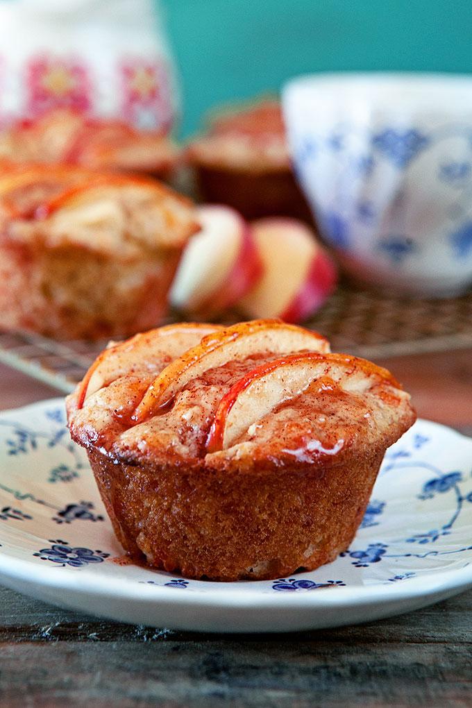 Apple Cheddar Muffins with Cinnamon Glaze